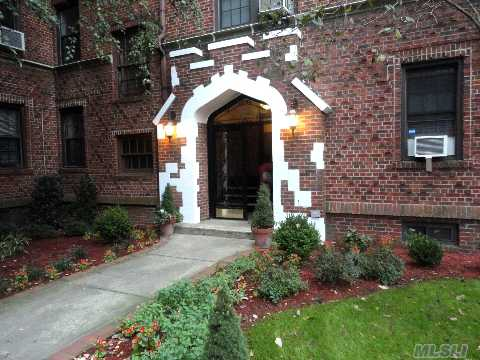 Sold - 68-44 Burns St #B 2, Forest Hills, NY 11375