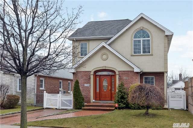 Sold: 173-40 47 Ave, Flushing, NY 11358