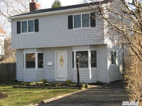 Beautiful Rennovated Colonial Home in the Heart of Huntington Station!