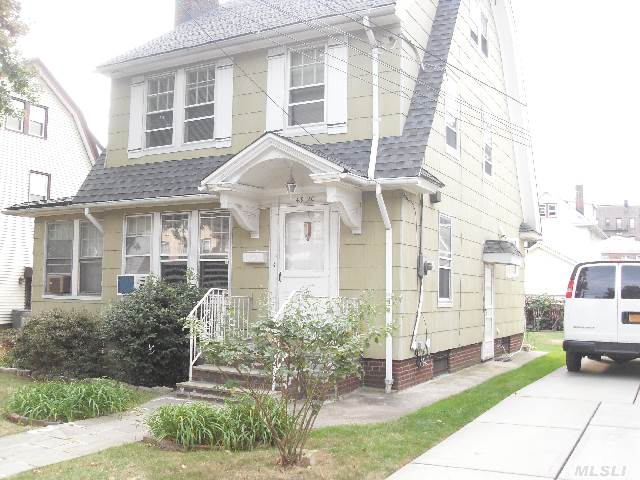 Sold: 43-20 167 St, Flushing, NY 11358