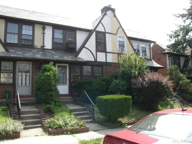 Sold: 67-100 Dartmouth St, Forest Hills, NY 11375