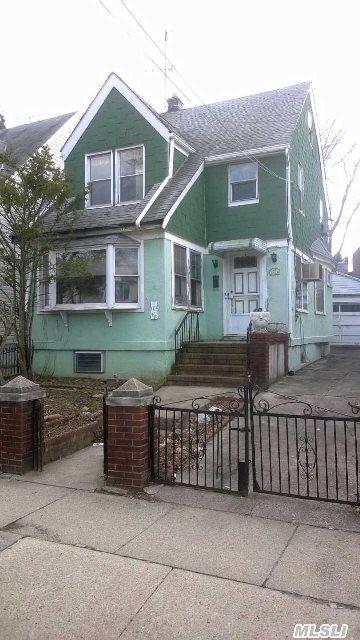 Sold: 71-48 Nansen St, Forest Hills, NY 11375