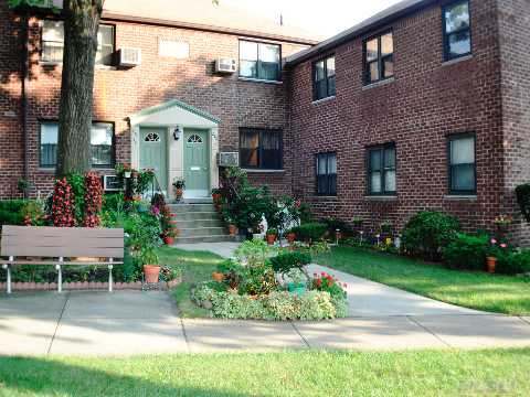 Sold: 242-12 Horace Harding Expy, Douglaston, NY 11362