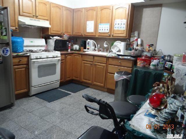 Sold: 62-10 Woodside Ave, Woodside, NY 11377